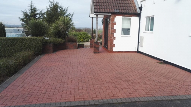 Lincs driveway cleaning